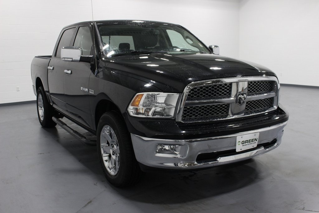 Used Cars Quad Cities >> Pre-Owned 2009 Dodge Ram 1500 Laramie 4D Crew Cab in Quad ...