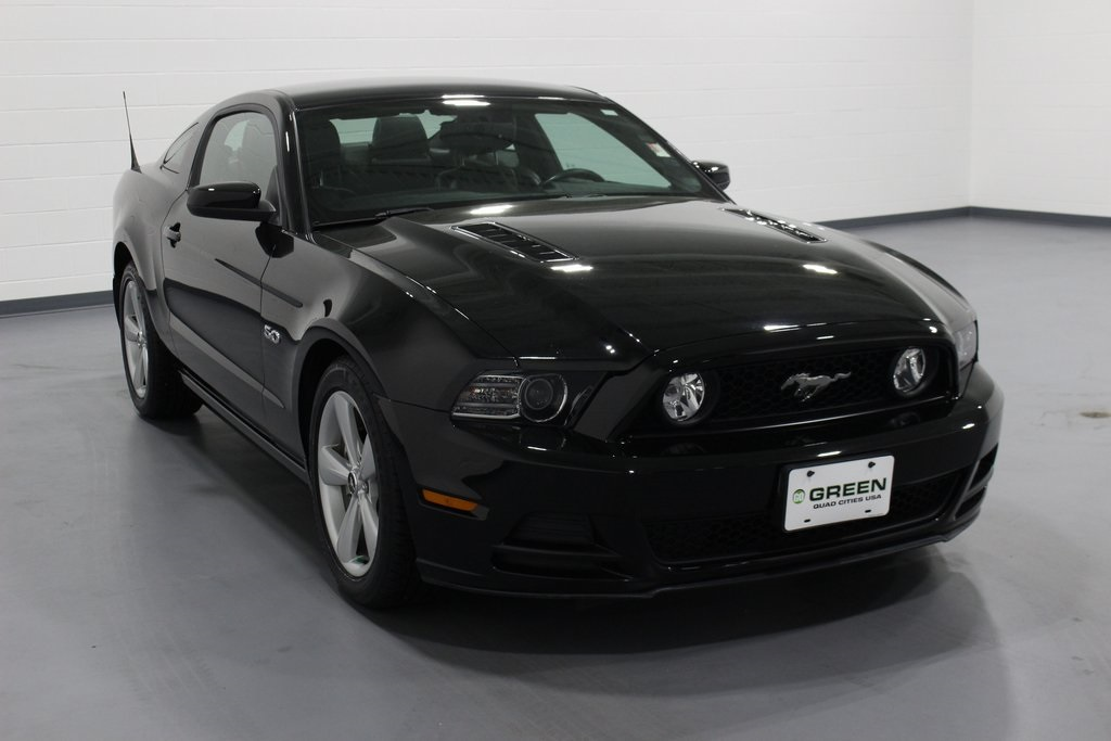 Pre Owned 2013 Ford Mustang Gt Premium 2d Coupe In Quad Cities